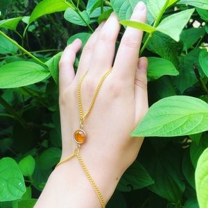 ❤️ Handmade Gold Hand Chain With Gem Accent ❤️